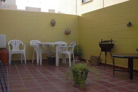 Alquilo Duplex en Retamar, Almería - Apartamento