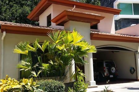 Condemar beach house, Punta Leona