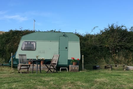 Caravan in South Devon village - Kingsbridge - Outro