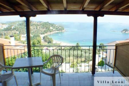 VILLA LEONI VACATION'S-Studio vue sur mer - Andre