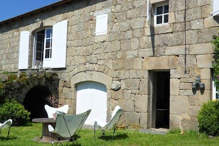 Belle maison familiale (11 pers) - Huis