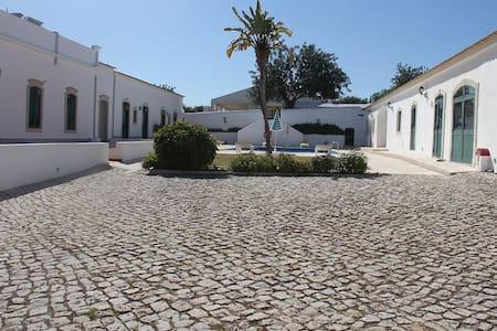 """Albufeira, Paderne - Rustic Village D, set in Quinta Algarvia - by J2B"" - Paderne - Casa"