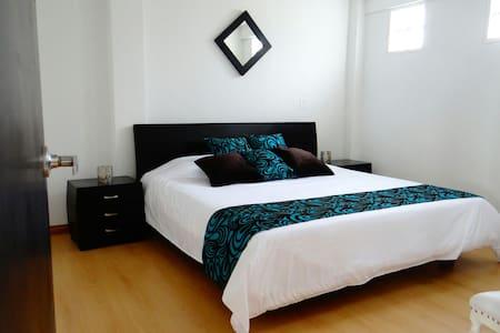 Casa Hotel Linares, Hab BISMARCKIA - Armenia - Bed & Breakfast