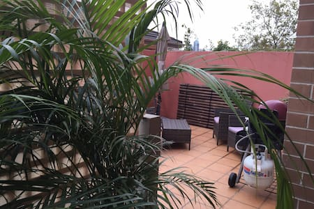 Sunny Room with Private Bathroom - Surry Hills - Apartment