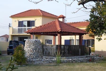 jolie maison de campagne - Huis