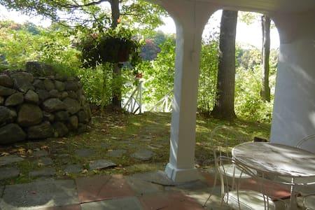Lake Rawdon charming location - Wohnung