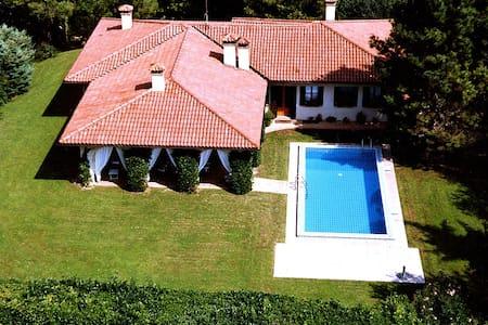 Asolo....Villa Cima al Pomer! - Villa