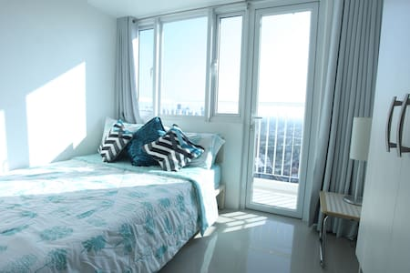 1BR Home with Wifi and near the MRT