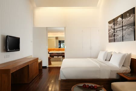 Deluxe Room @ Turi Beach Resort - Bed & Breakfast