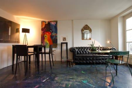 Nice flat in Marais with Seine view