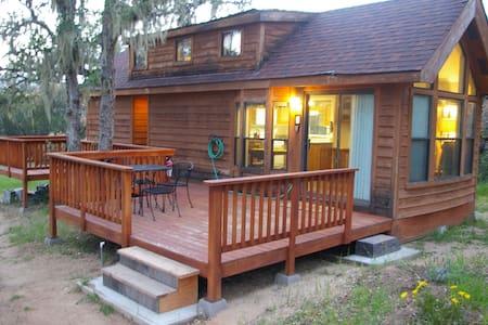 Tiny House at Carmel Lavender - Cottage