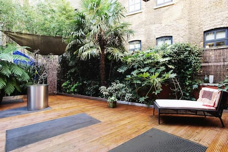 2 bed apartment with private garden - Lontoo