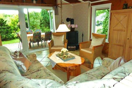 Schönes Holzhaus im Extertal - Casa