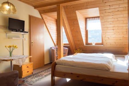 Bed&Breakfast  2P in Rittersgrün - Breitenbrunn/Erzgebirge - Oda + Kahvaltı