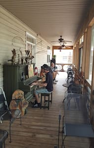 SunShine Ranch Lodge Bedroom - Osteen