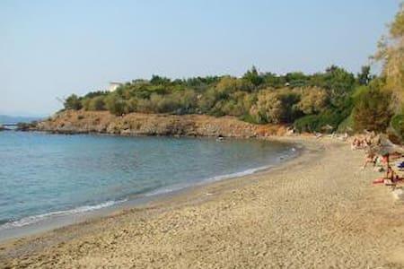 Garden Studio in Saronida 2min walk from the beach - Wohnung