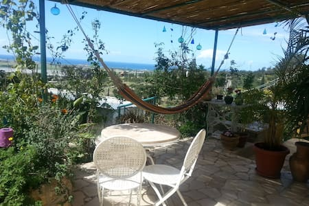 The Painter's Atelier  One bedroom private rental nestled on the slopes of the Carmel mountain in the picturesque artists village of Ein Hod, sleeps up to 4.