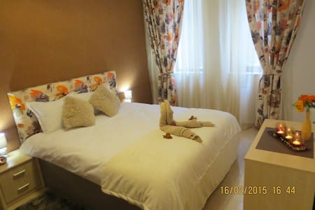 Deluxe Apartment in Monestery 3 - Daire