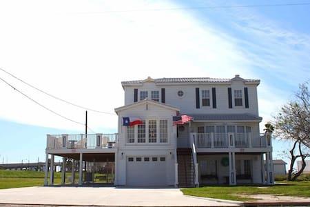 The Walnut House - Huis