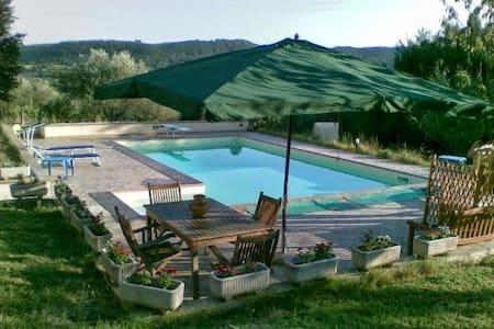 Casa Vacanze vicino Roma in Umbria - Rumah