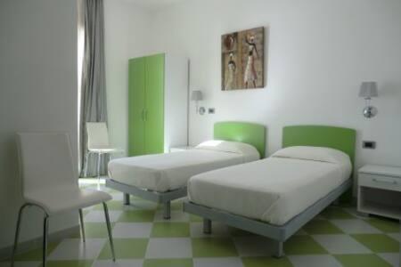 VILLA-B&B MEDITERRANEO MARE E SOLE - Palma di Montechiaro - Bed & Breakfast