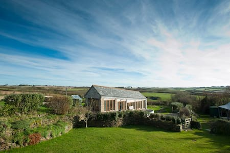 The Linhay, Nr Polzeath, Cornwall - Polzeath