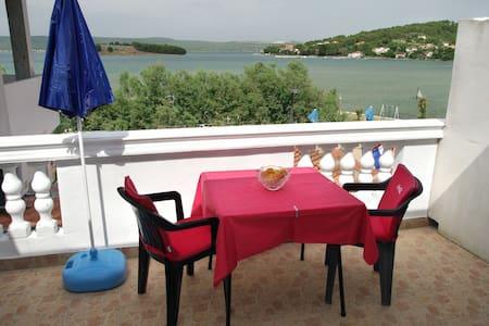 Marinero/restaurant/apartment/ - Wohnung