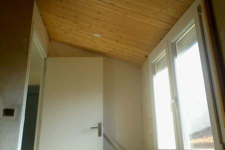 Appartement ensoleillé - Millas - Apartment