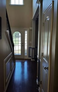 Large Room & Bath in Powder Springs - Powder Springs - House