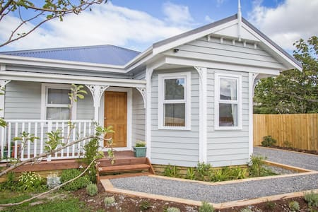 Lovely cottage in the Wairarapa - Huis