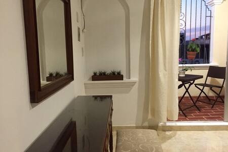2 Bdr Apartment w Ocean View
