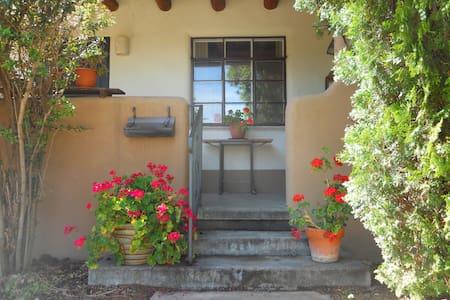 Peaceful home Sage - Santa Fe - Casa