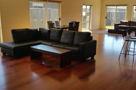 Fully furnished CHEAP & NICE room