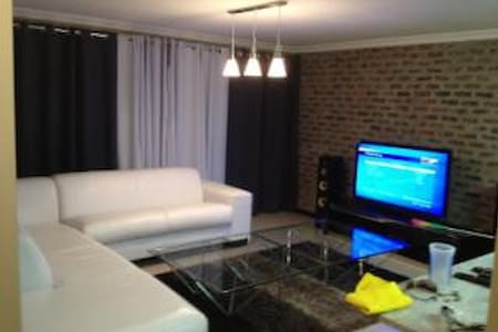 2 bedroom, 2 bathroom with Garden - Apartemen