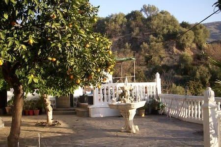 Casita Naranja - Órgiva