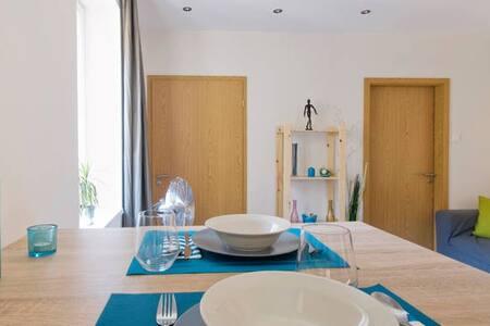 Promo price: modern, quiet 1 bdr. apt in Bp's SOHO - Apartment