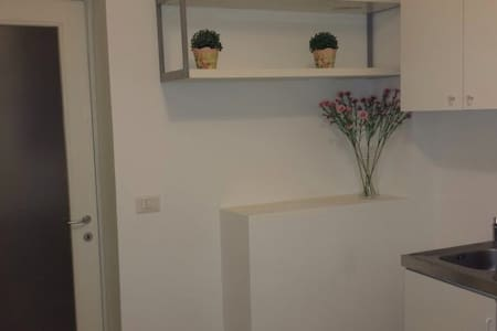 Lovley studio flat in zona centro - Milano - Apartment