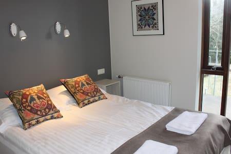 Room 5 - Bed & Breakfast
