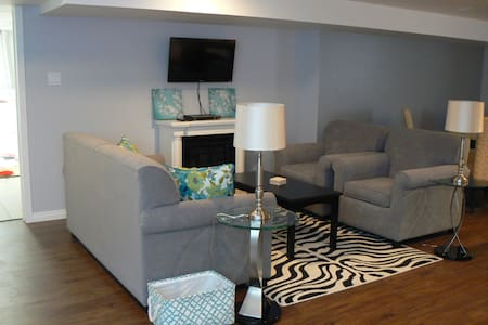 Beautiful Cozy Apartment in Winkler - Winkler - Apartamento