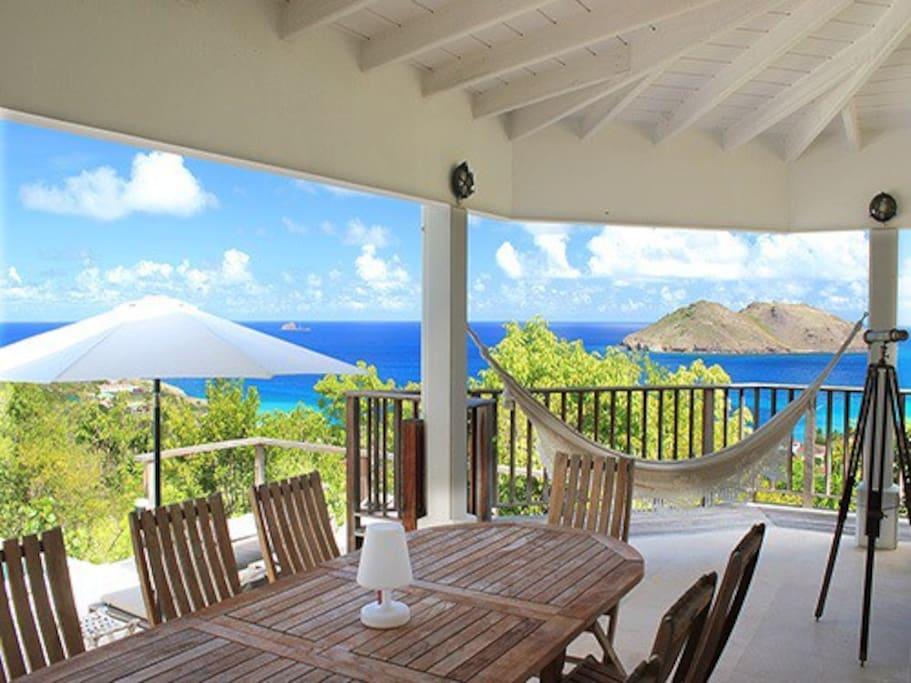 Grande chambre avec belle vue mer houses for rent in for Chambre avec vue salvador