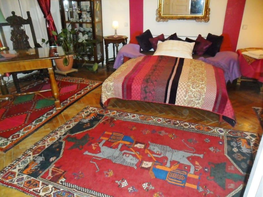 O - Classicisme room near Belvedere