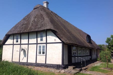 Romantic Thatched Cottage