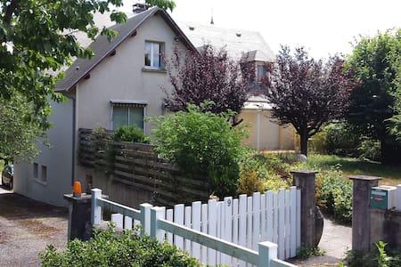 Maison de village - Flavin - House