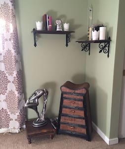 Master Bedroom w/ private bathroom! - Mountain View - House