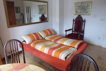 Neu ! Zimmer mit Frühstück  - Múnich - Bed & Breakfast