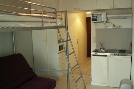 Studio meublé Avenue de Gaulle  - Appartamento
