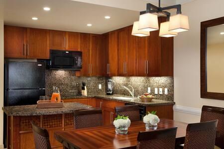 Room type: Entire home/apt Property type: Villa Accommodates: 6 Bedrooms: 2 Bathrooms: 2