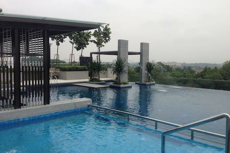 3 Bedrooms Apartment at Bukit Indah - Johor Bahru - Apartment