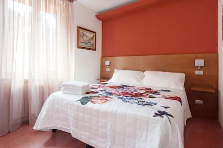 5 Terre B&B dai Baracca-Pusaitaa - Riomaggiore - Bed & Breakfast
