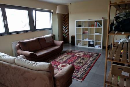Ruim, zen appartement in de Vlaamse Ardennen - Lejlighed